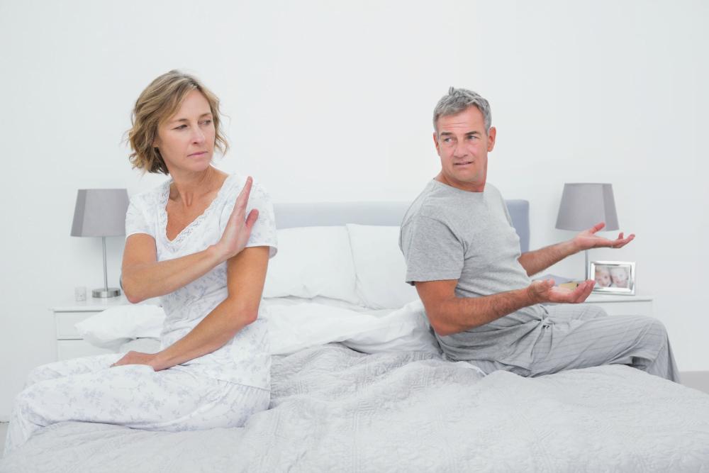 چه عواملی باعث کاهش میل جنسی در زنان می شود؟