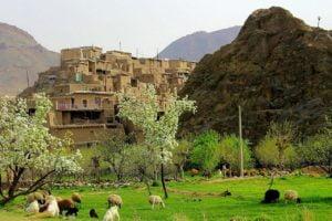 روستای زیبای تاریخی طرق