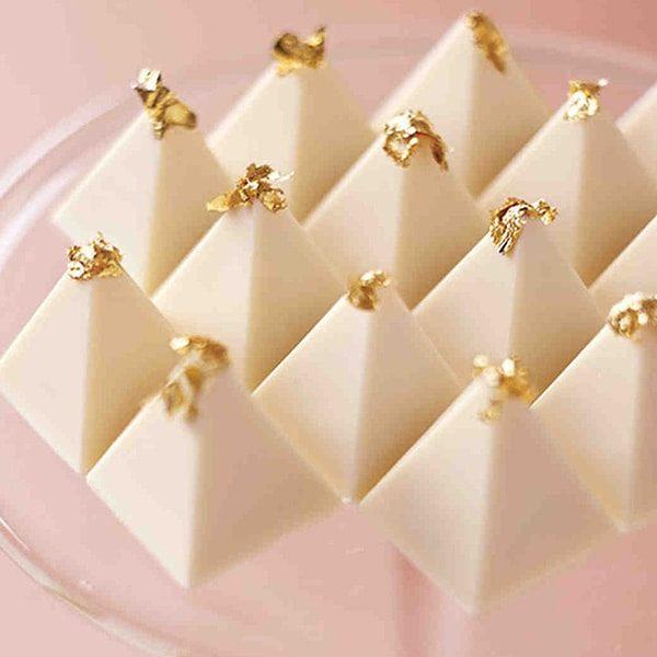 فلیک طلا نانو گلد خوراکی برای تزیین ساخت شکلات سازی لاکچری